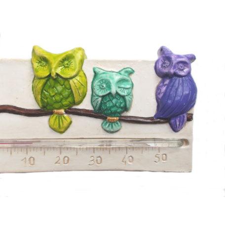 thermomètre avec des chouettes multicolores, détails