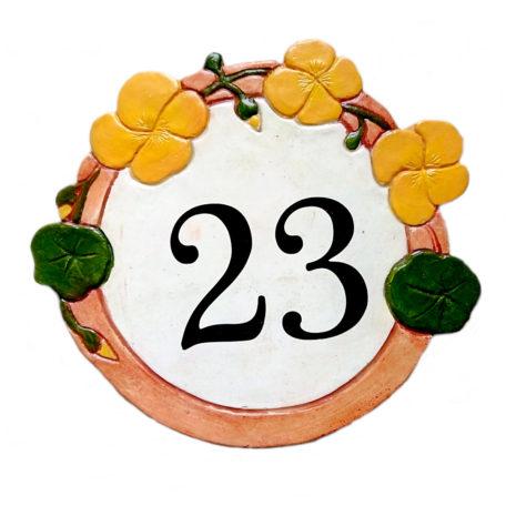 Numéro de maison décoratifs avec fleurs de capucines